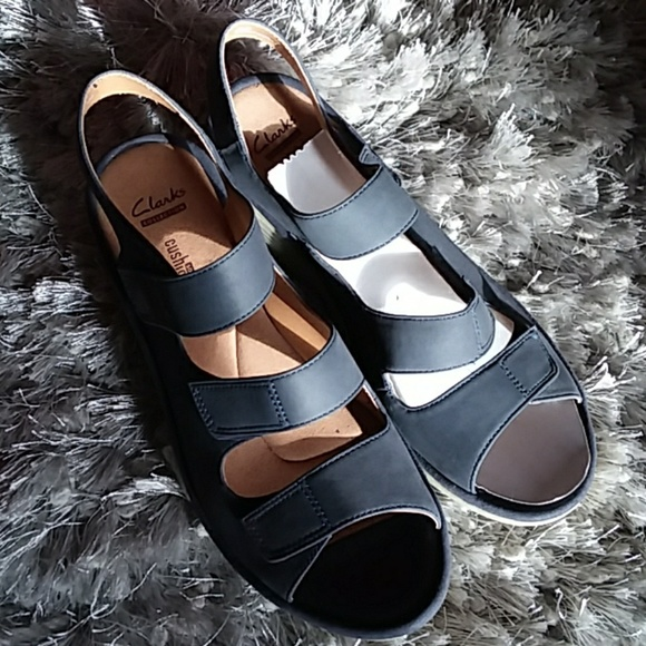 2f46d9445e8 NEW Clarks leather Reedly Juno Wedge Sandals heels